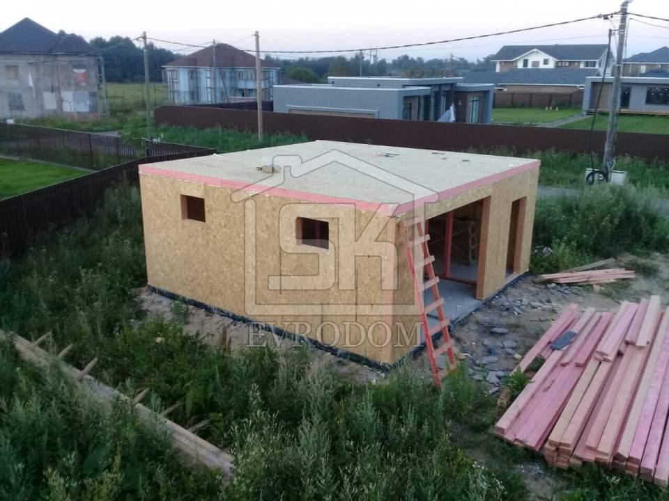 Монтаж гаража из СИП панелей в п. Вайя Ленинградской области.