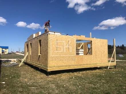 Строительство дома из СИП панелей по индивидуальному проекту в КП Фаворит Ломоносовского р- на