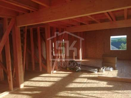 Строительство дома из СИП панелей по индивидуальному проекту в п. Поляны Ленинградской области