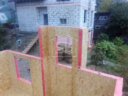 Монтаж стен из СИП панелей первого этаж