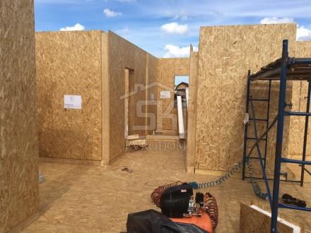 """Строительство дома из СИП панелей по типовому проекту """"РИВЬЕРА"""" в г. Отрадном Ленинградской области."""