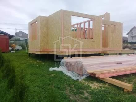 Строительство дома из СИП панелей в д. Кемпелево, по типовому проекту «Демо».