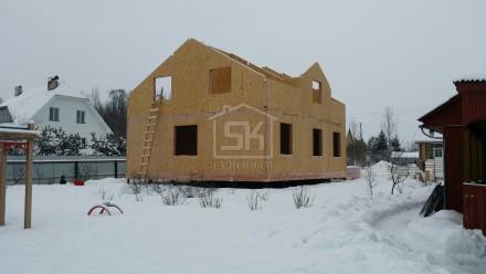 Монтаж дома из СИП панелей по индивидуальному проекту в Санкт-Петербурге