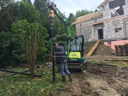 Начат монтаж свайно-винтового фундамента в п. Токсово Ленинградской области.
