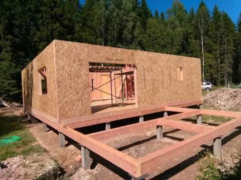 Строительство дома из СИП панелей по индивидуальному проекту в п. Лебяжье Ленинградской области.